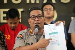 Tersangka penyebar berita palsu atau hoaks surat suara, MIK (38) tidak dapat menunjukkan sumber rumor ke penyidik Polda Metro Jaya.