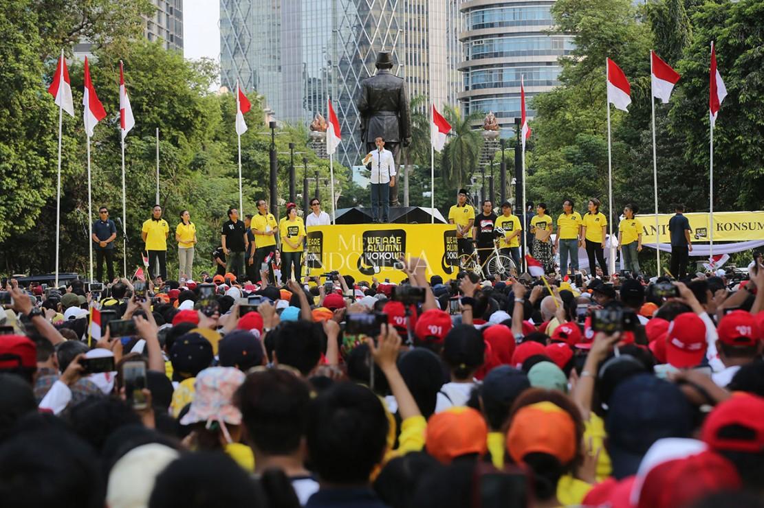 Dalam orasinya Jokowi menyatakan bahwa memimpin sebuah negara sangat diperlukan pengalaman dalam pemerintahan.