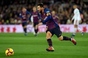 Gol Messi lahir pada menit ke-53 melalui penyelesaian indah memanfaatkan umpan matang kiriman Philippe Coutinho.