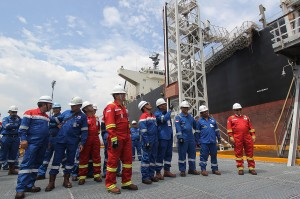 PT. Pertamina (Persero) melaksanakan lifting perdana minyak mentah jenis Sumatran Light Crude (SLC) dan Duri Crude (DC) milik PT. Chevron Pacific Indonesia (CPI) yang dihasilkan dari Blok Rokan. Pembelian minyak mentah itu bertujuan memenuhi kebutuhan kilang dalam negeri dan sebagai upaya untuk memenuhi ketahanan energi nasional.