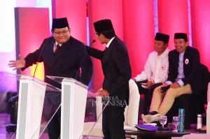 Calon presiden Joko Widodo menyinggung soal Partai Gerindra yang mencalonkan eks napi koruptor. Ada momen di mana Prabowo hendak memotong pertanyaan Jokowi lalu berujung Prabowo berjoget di panggung dan Sandi Uno memijat pundaknya.