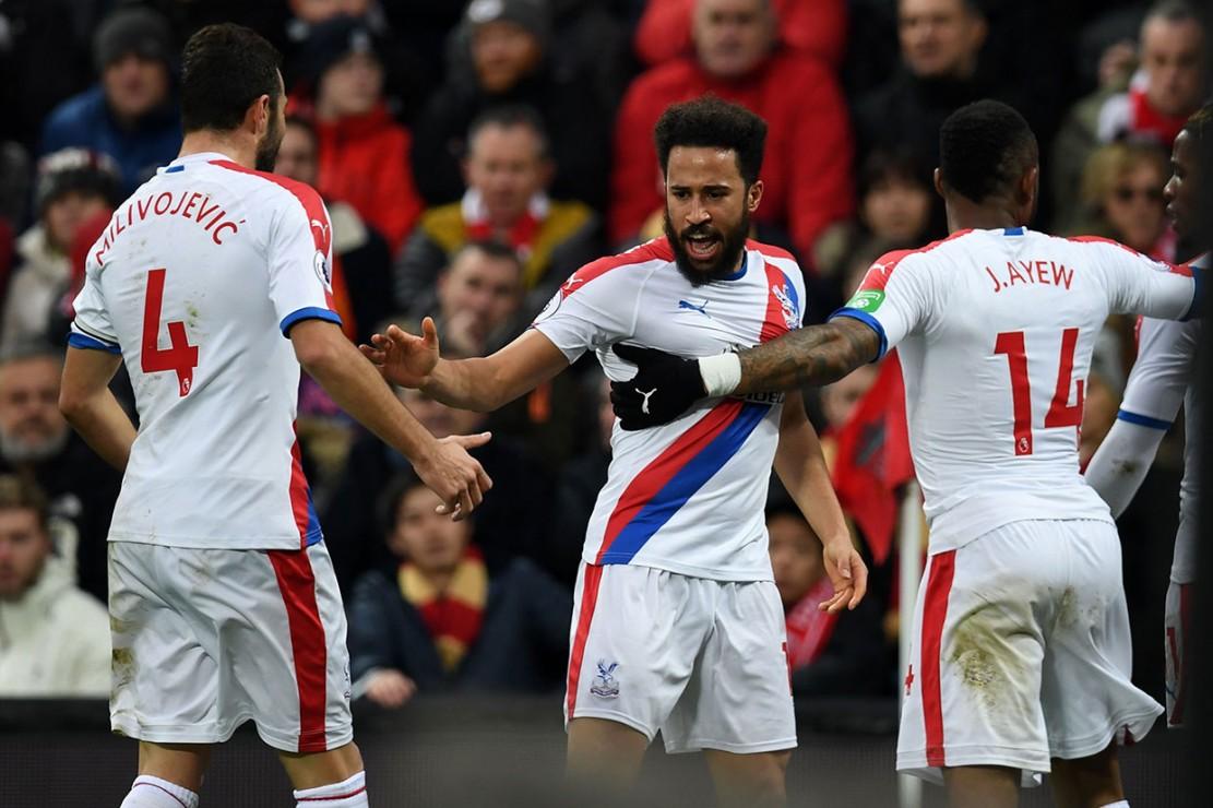 Tuan rumah justru tertinggal terlebih dahulu lewat gol Andros Townsend pada menit ke-34. Skor 1-0 bertahan hingga jeda.
