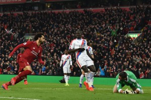 Di awal babak kedua Liverpool berhasil menyamakan kedudukan lewat Mohamed Salah, menyambar bola rebound tendangan Van Dijk.