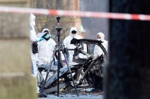 Sebuah mobil diduga berisi bom meledak di luar sebuah gedung pengadilan di Bishop Street, Derry, Sabtu, 19 Januari 2019 malam waktu setempat.
