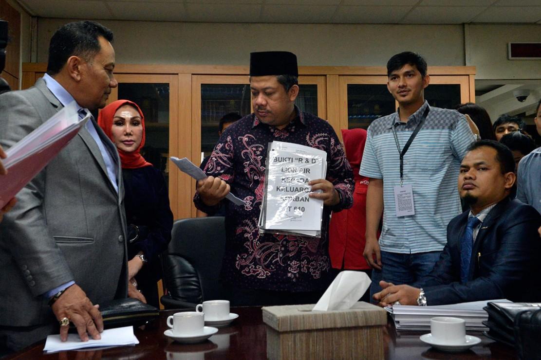 Keluarga meminta pihak berwenang untuk meneruskan pencarian terhadap 64 korban yang belum ditemukan serta mendesak negara hadir sebagai regulator untuk dapat memberikan keadilan yang selama ini tidak didapatkan dari pihak Lion Air. MI/M Irfan