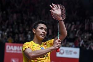 Jonatan Christie (Jojo) menang dalam dua gim langsung atas pemain peringkat dua dunia asal Tiongkok Shi Yuqi dengan skor 22-20, 21-6 selama 39 menit permainan.