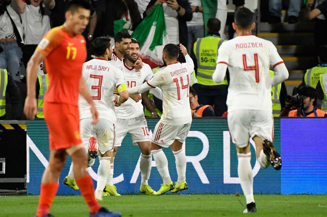 Dominasi permainan Iran dilengkapi dengan aksi Karim Ansarifard beberapa saat jelang laga berakhir lewat gol ketiga yang kembali terjadi akibat rapuhnya barisan belakang Tiongkok. Skor 3-0 bertahan hingga laga usai