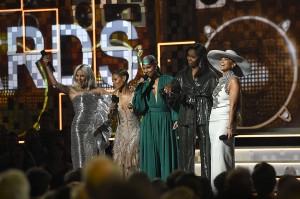 Lady Gaga, Jada Pinkett Smith, host Alicia Keys, Michelle Obama, and Jennifer Lopez saat memandu penganugerahan Grammy Awards ke-61 di Los Angeles. Afp Photo/Kevork Djansezian