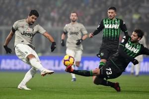 Juventus membuka keunggulan saat laga berjalan 23 menit lewat Sami Khedira.
