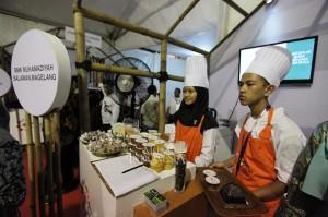 Suasana ketika acara pameran pada Rembuknas Kementerian Pendidikan dan Kebudayaan di Gedung Pusdiklat Kemdikbud, Depok, Jawa Barat.