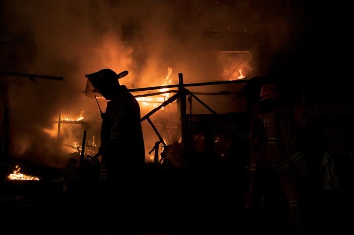 Kebakaran Landa Pasar Ujung Berung Bandung