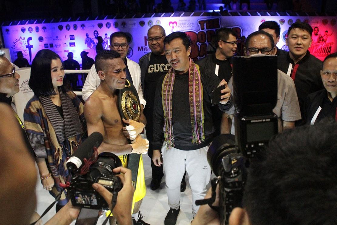Tibo Monabesa Juara Dunia Versi IBO - Medcom.id