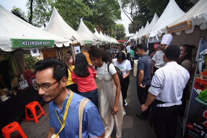 Meriahnya Festival Pasar Baru