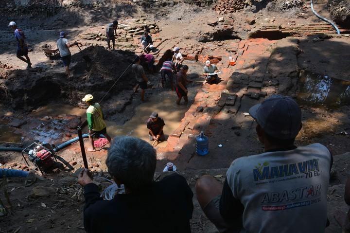 Ekskavasi Situs Petirtaan Sumberbeji Jombang Tahap Satu