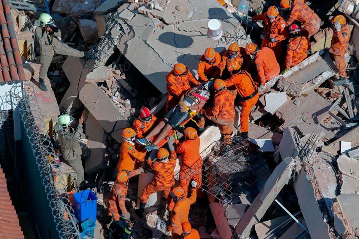 Bangunan 7 Lantai di Brasil Runtuh, 1 Orang Tewas