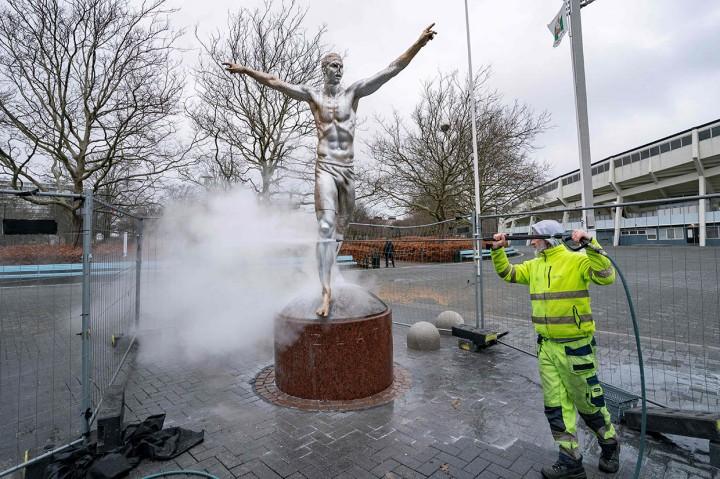 Lagi, Patung Ibrahimovic Jadi Sasaran Vandalisme