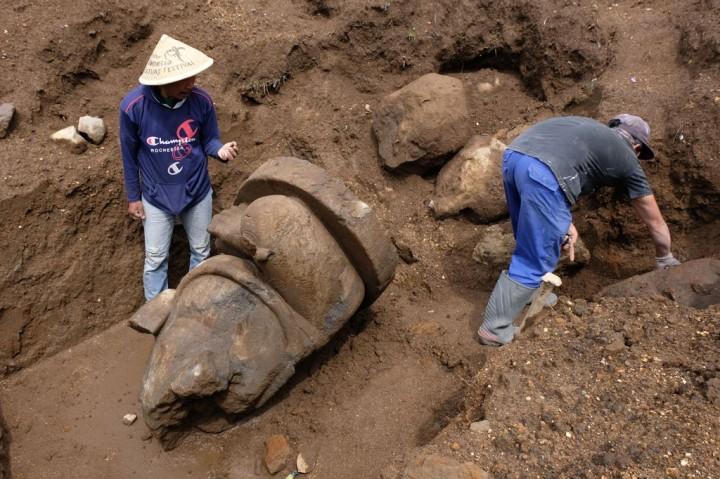 Sebuah Arca Ganesha Ditemukan di Dieng