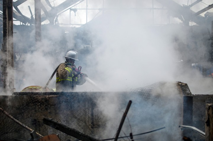 Kebakaran Landa Pasar Induk Caringin Bandung