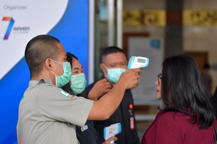 Antisipasi Korona, Pengunjung GIICOMVEC 2020 Dicek Suhu Tubuh