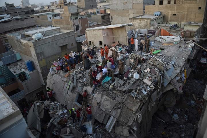 Gedung 5 Lantai di Pakistan Runtuh, 11 Orang Tewas