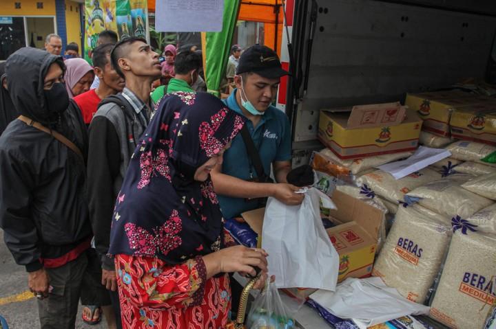 Stabilkan Harga Beras dan Gula, Bulog Operasi Pasar