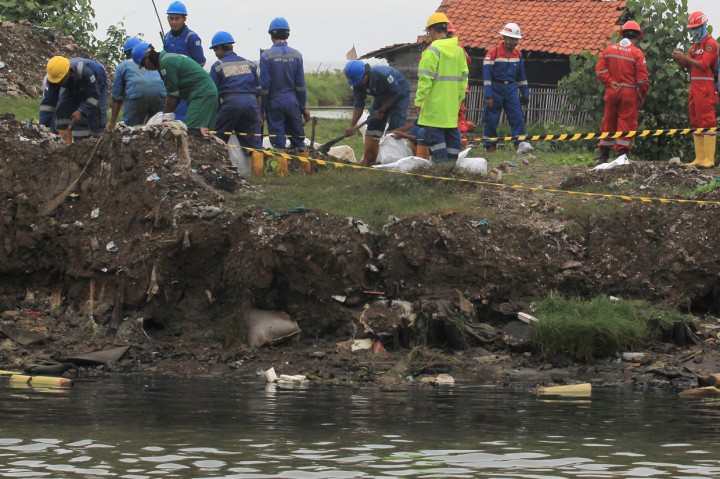 Kebocoran Pipa Pertamina EP Cemari Sungai di Indramayu