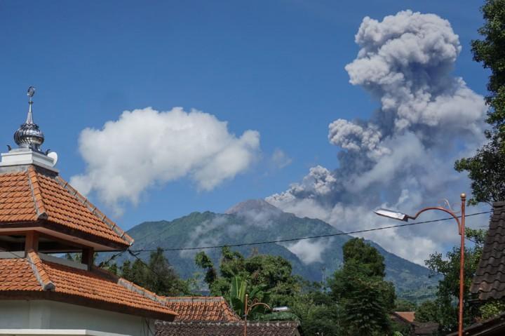 Gunung Merapi Erupsi Lagi