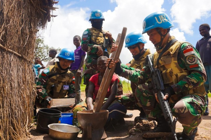Prajurit Satgas TNI Berhasil Peroleh Senjata dan Granat Tangan