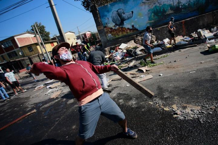 Demo Tuntut Bantuan Makanan di Chile Berakhir Bentrok