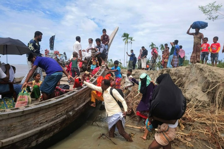 Hindari Badai Amphan, Puluhan Ribu Warga India dan Bangladesh