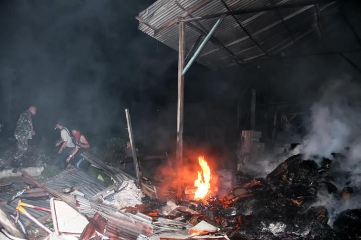Kebakaran Landa Gudang Pengepul Barang Bekas di Lhokseumawe