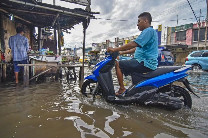 Drainase Buruk Picu Banjir di Ampenan