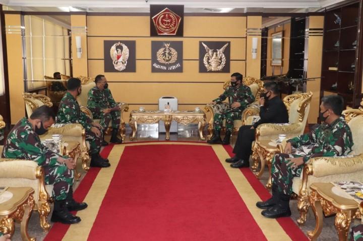 Panglima TNI Terima Audiensi Perwakilan Alumni Akabri 1995