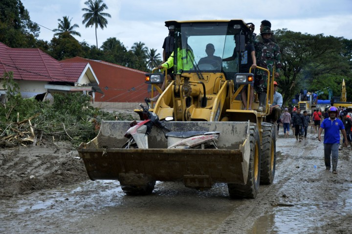 Korban Tewas Banjir Bandang Luwu Utara Jadi 21 Orang