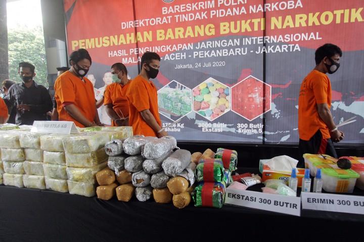 175,6 Kg Sabu asal Malaysia Dimusnahkan