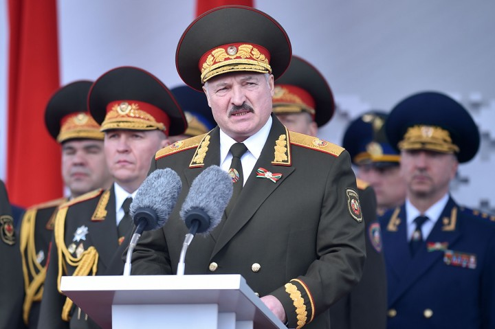 Presiden Belarusia Positif Korona