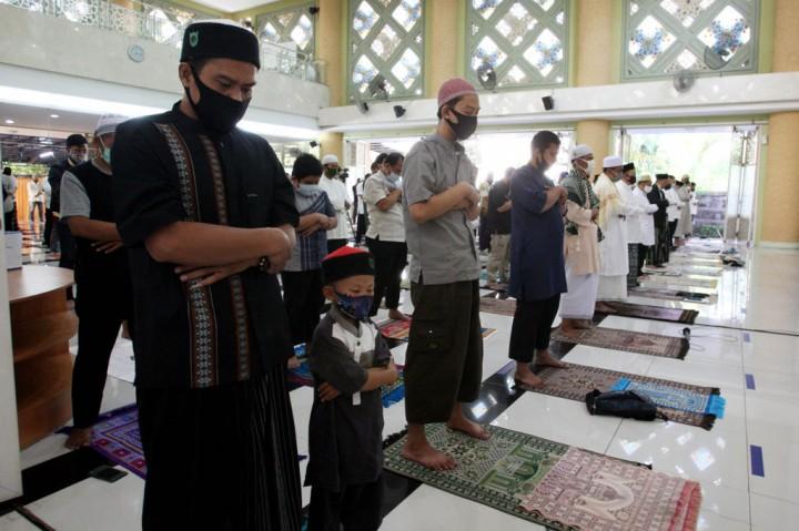 Masjid Nursiah Daud Paloh Gelar Salat Id dengan Protokol