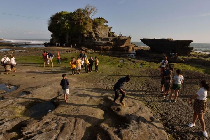 Wisatawan Domestik Kunjungi Tanah Lot