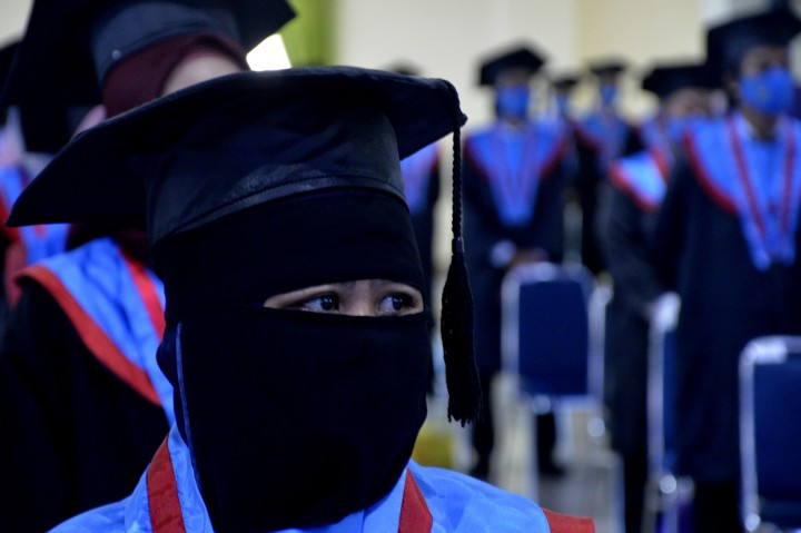 Wisuda Unismuh Makassar Terapkan Protokol Kesehatan