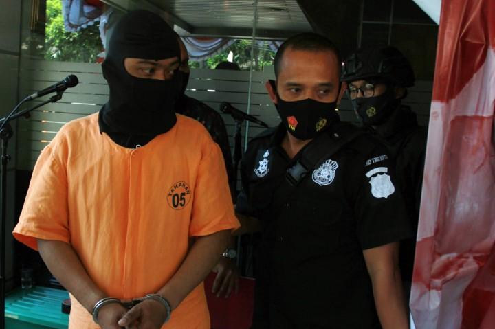 Polisi Tangkap Perampok Pusat Gadai Indonesia di Tangerang