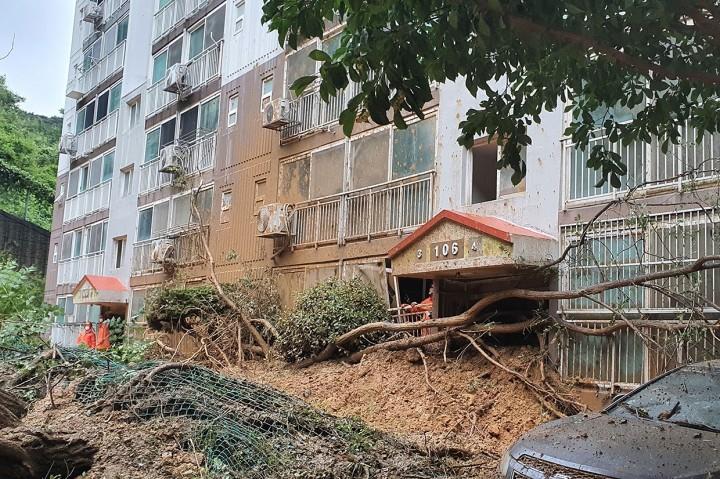 Topan Haishen Hantam Jepang, Listrik di Ratusan Ribu Rumah Padam
