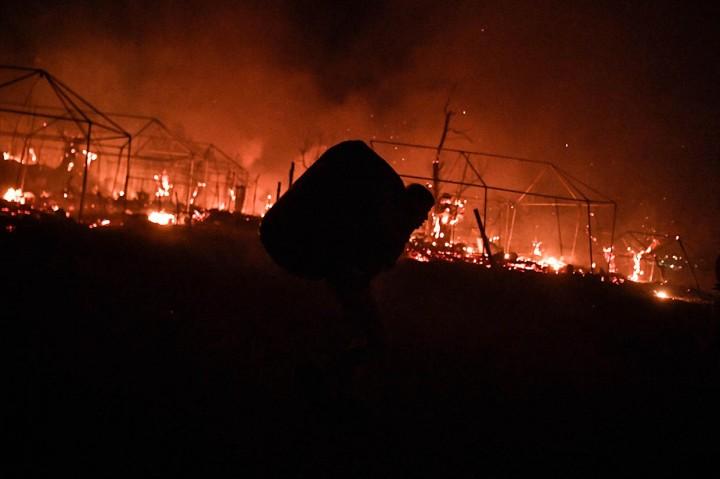 Kebakaran Landa Kamp Pengungsi Terbesar di Yunani