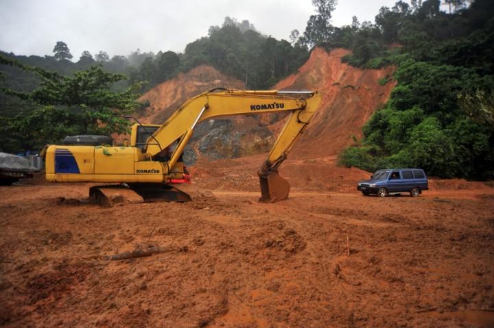 Banjir dan Longsor Landa Padang