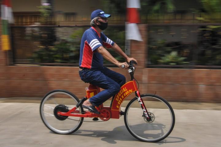 Kakek di Pondok Gede Buat Sepeda Listrik Sendiri