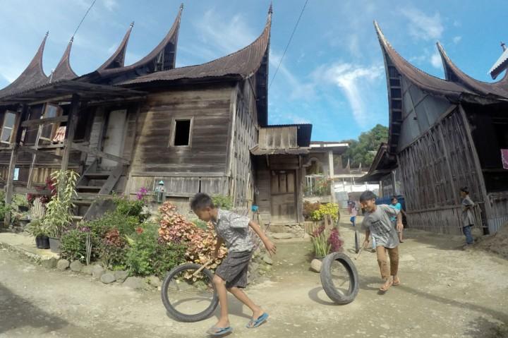Mengunjungi Kampung Adat Sarugo