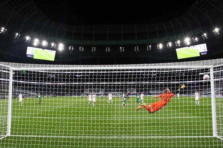 Gilas Maccabi 7-2, Spurs ke Fase Grup Liga Europa