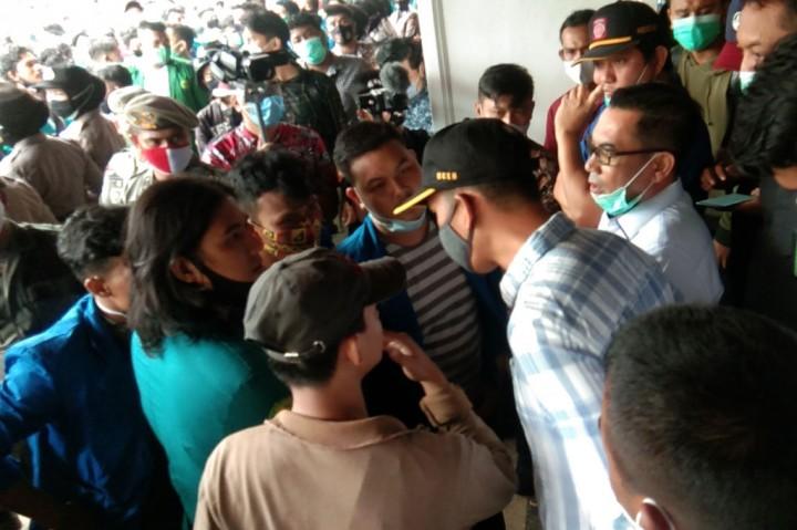 Mahasiswa di Banda Aceh Demo Tolak UU Cipta Kerja