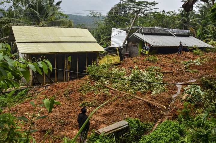 Banjir dan Longsor Terjang 11 Kecamatan di Tasikmalaya