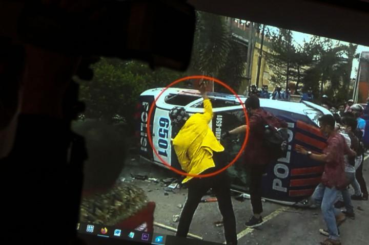 Polisi Ringkus Mahasiswa Gadungan Perusak Mobil Polantas di