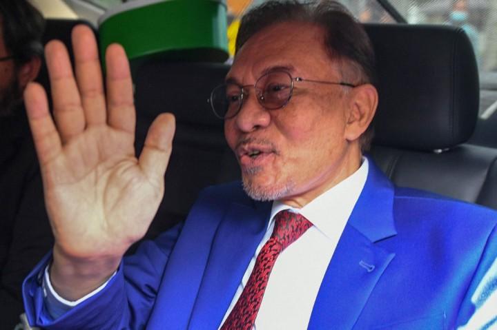 Anwar Ibrahim Menghadap Raja Malaysia